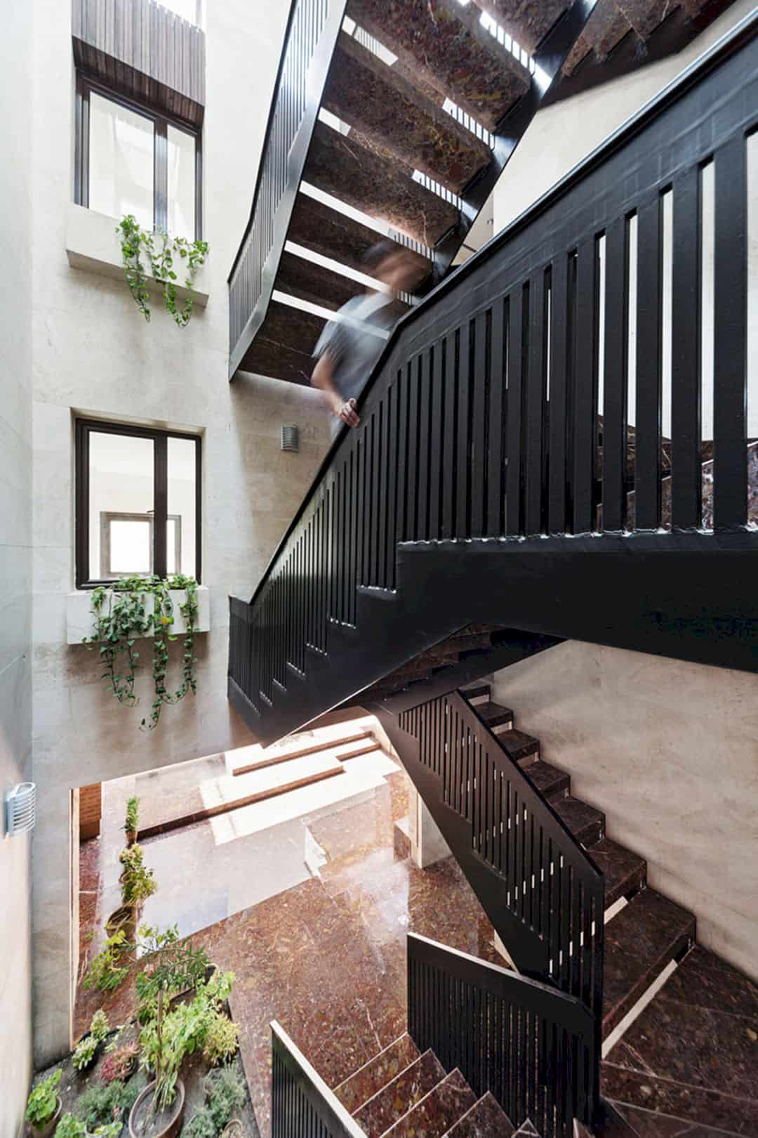 Farvardin House A Living Place With Green Spaces 4