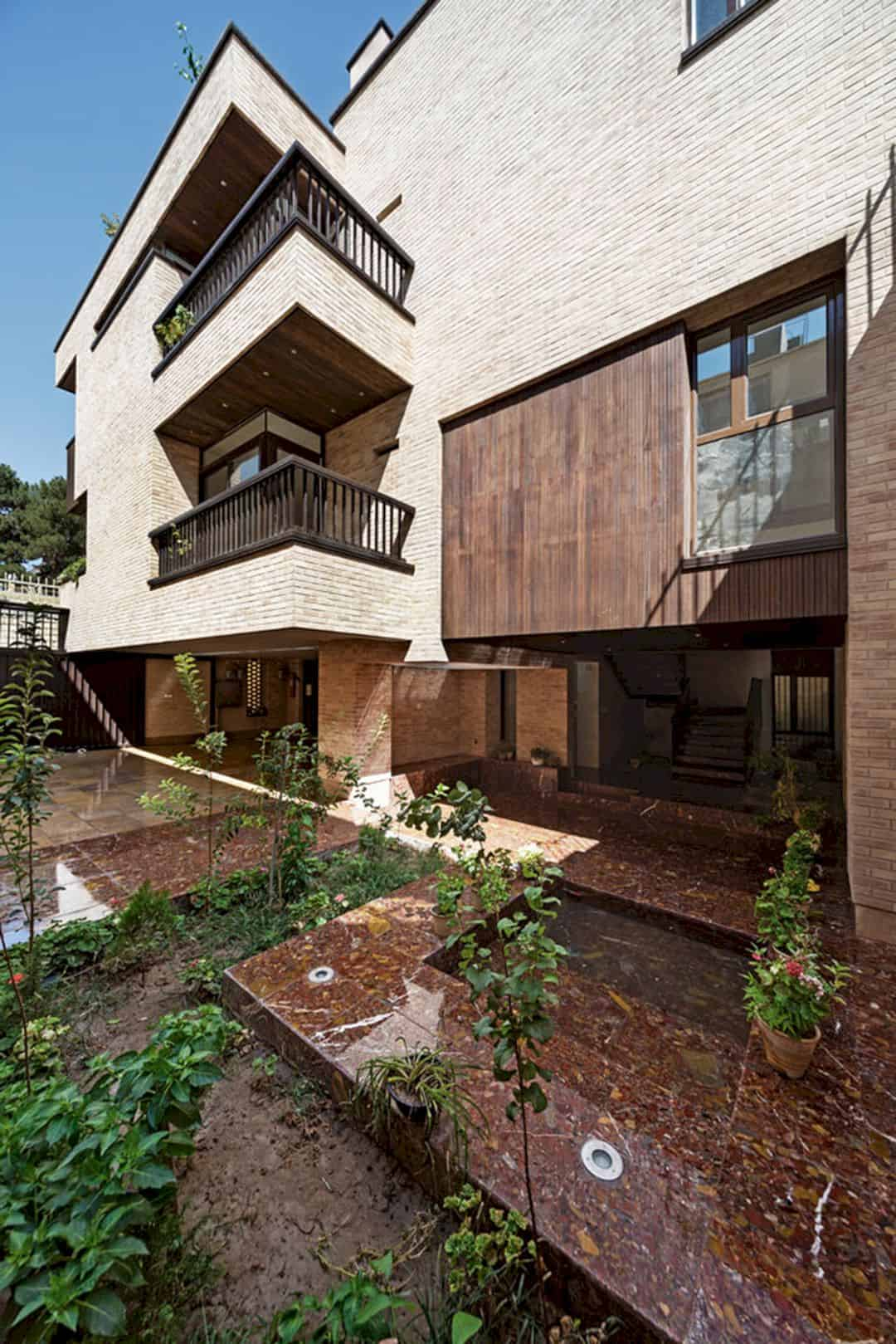 Farvardin House A Living Place With Green Spaces 8