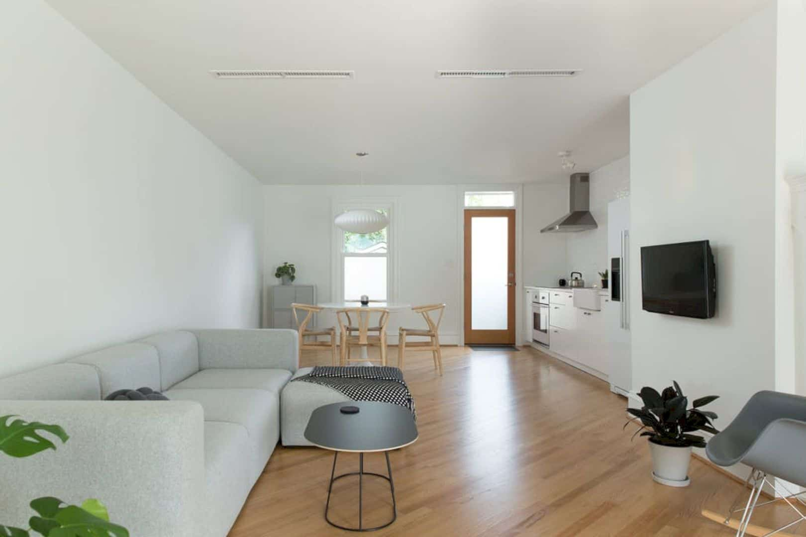 A Serene And Minimal Rowhouse In Richmond 20