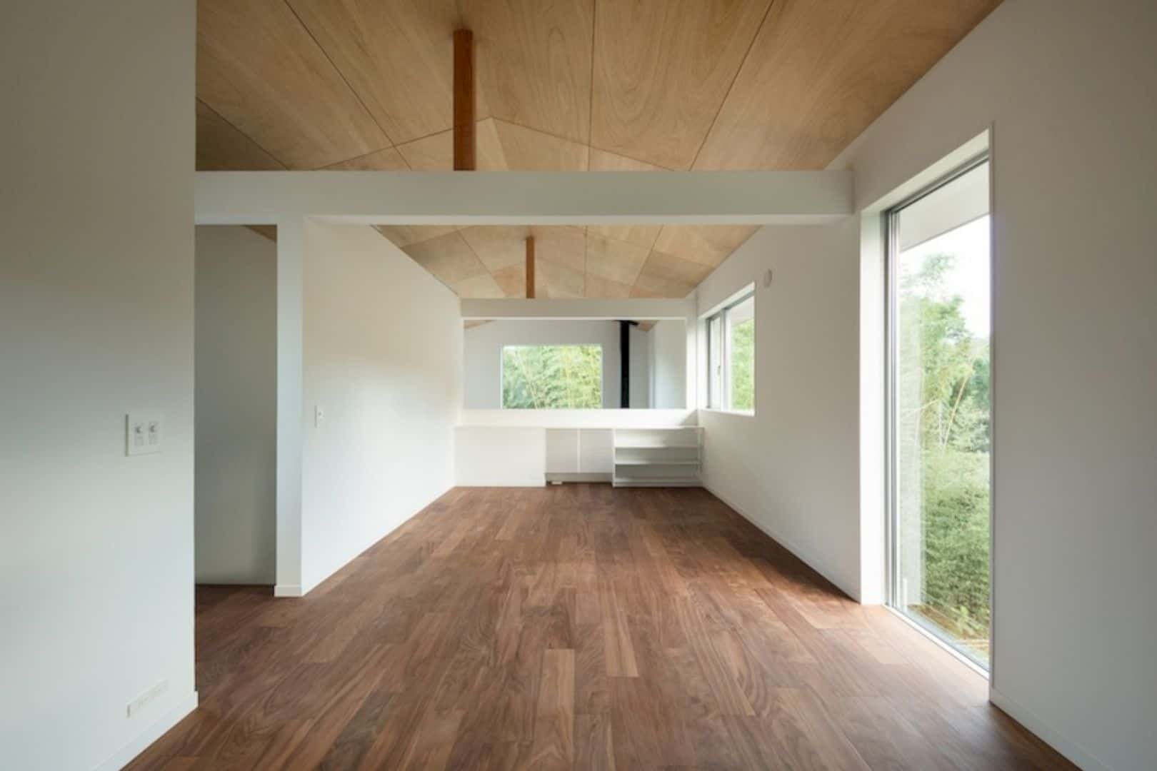 A Wooden House Surrounded By Nature In Chiba 5