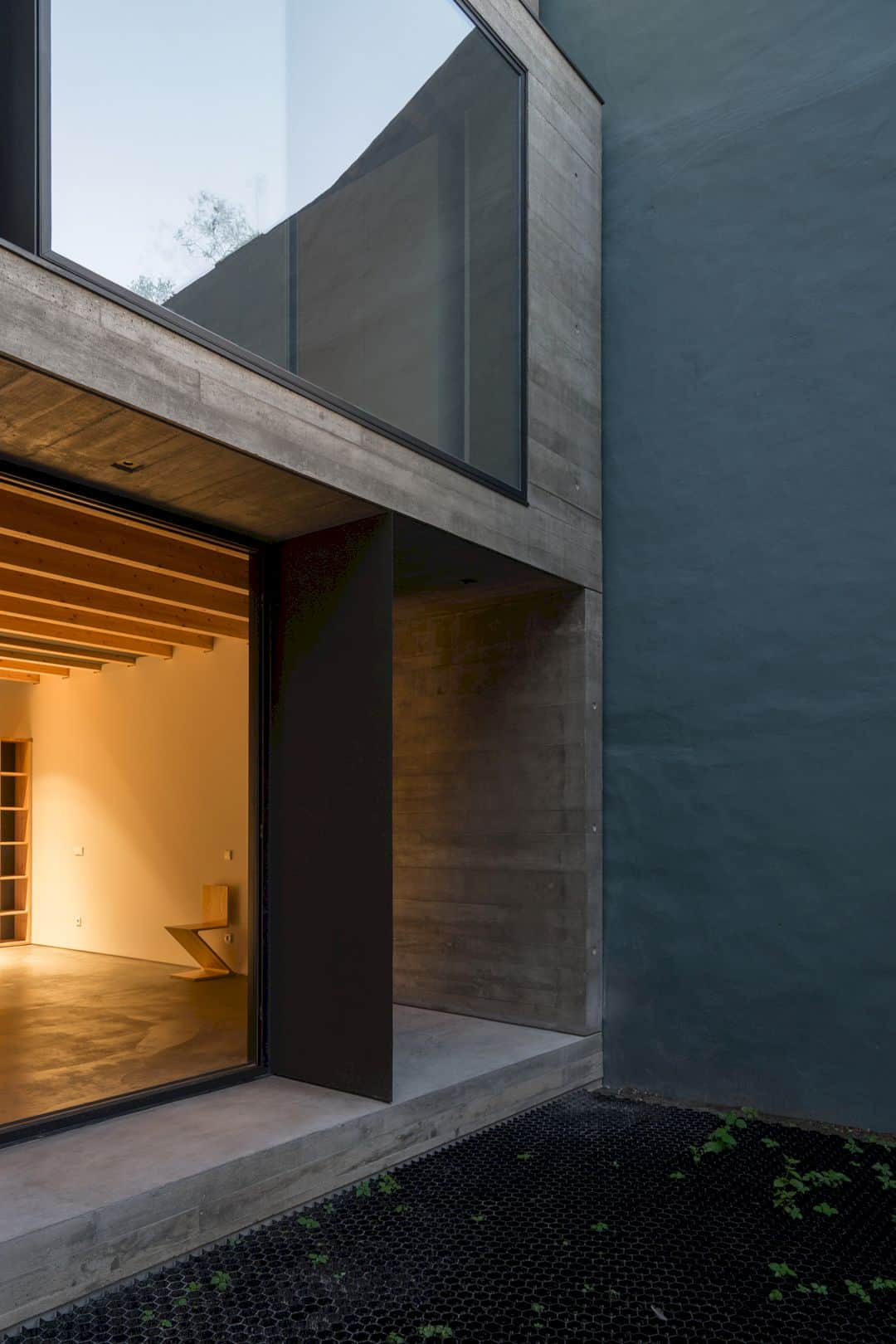 House S A Light Filled House With Uncommon Shades In Porto 10