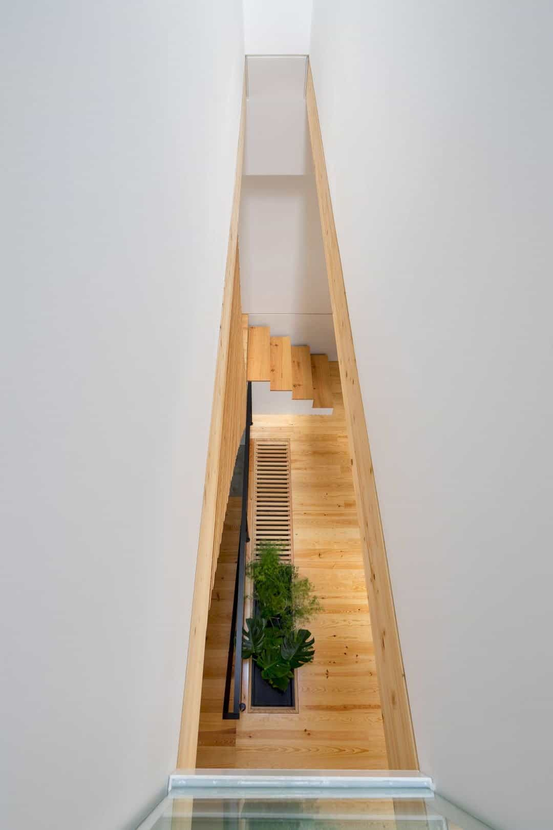 House S A Light Filled House With Uncommon Shades In Porto 3
