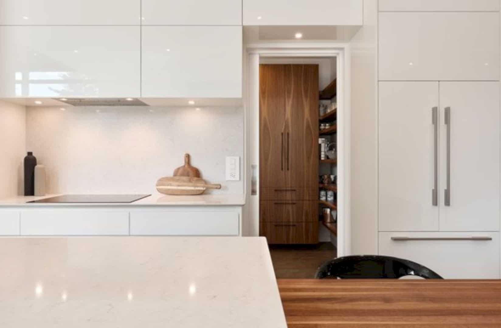 Oak Residence A Modern And Minimalist Home With Natural Materials 3