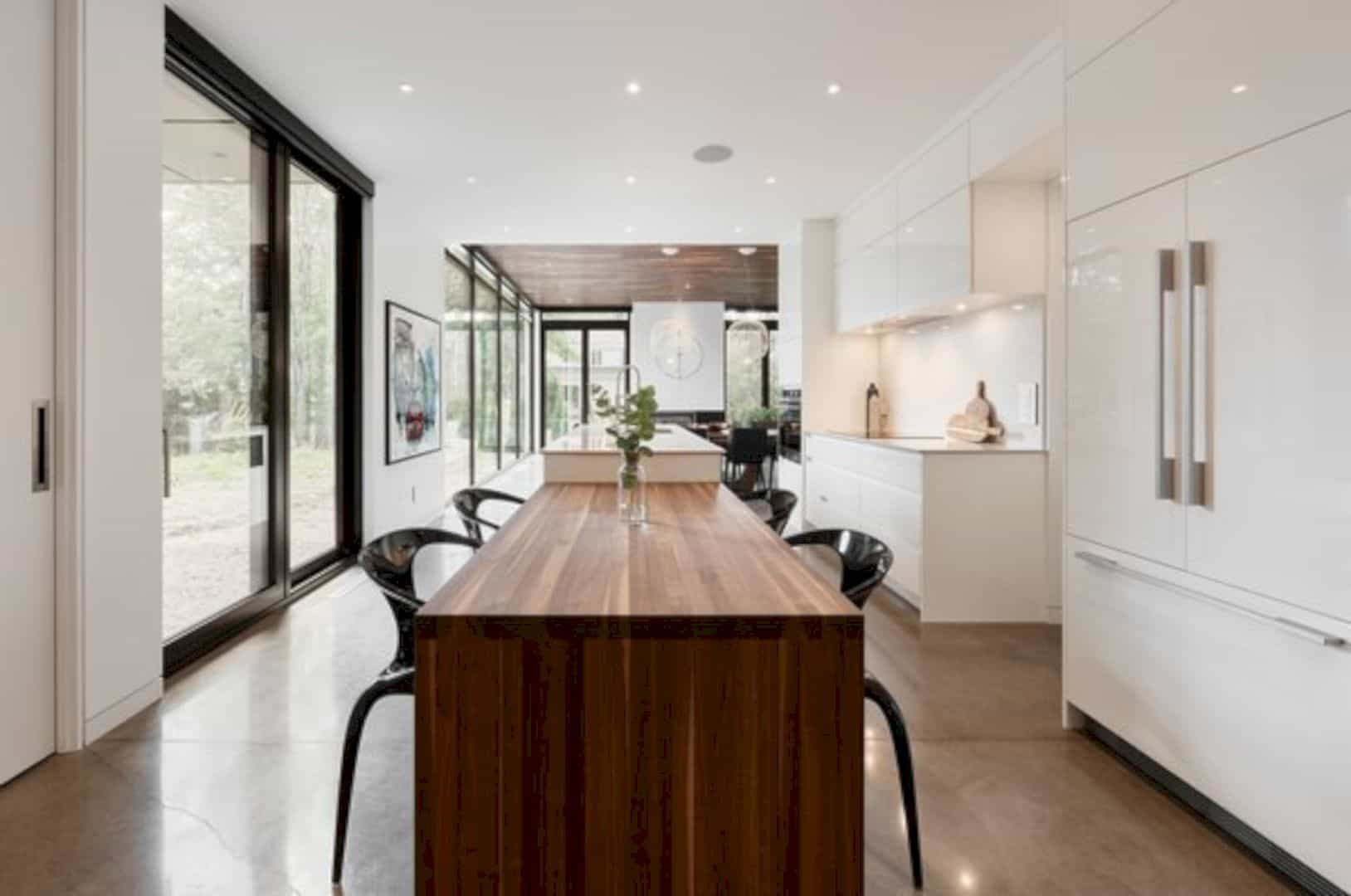 Oak Residence A Modern And Minimalist Home With Natural Materials 4