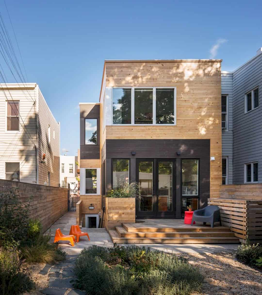 20th Street St Rowhouse An Unusual Wood Frame House In Brooklyn 13