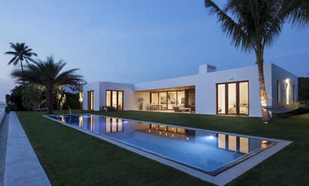 House In Florida A Single Family Residence In Casual