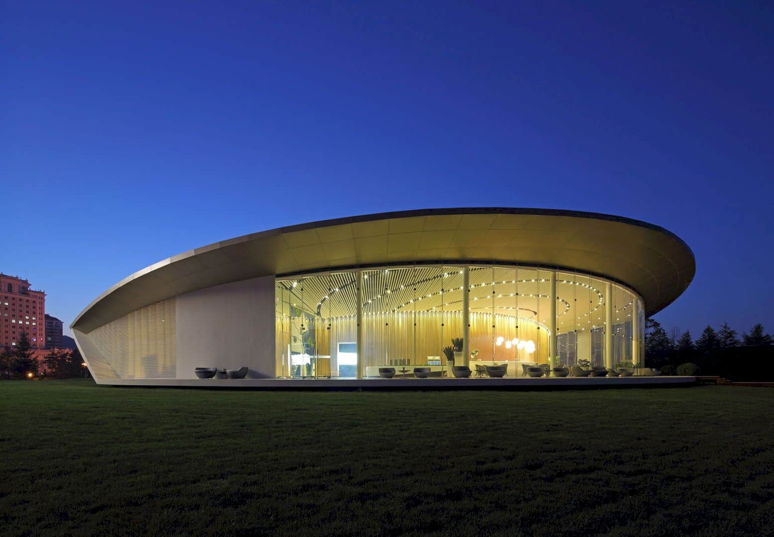 Weihai Pavilion: Modern and Big Pavilion for the Future Residents
