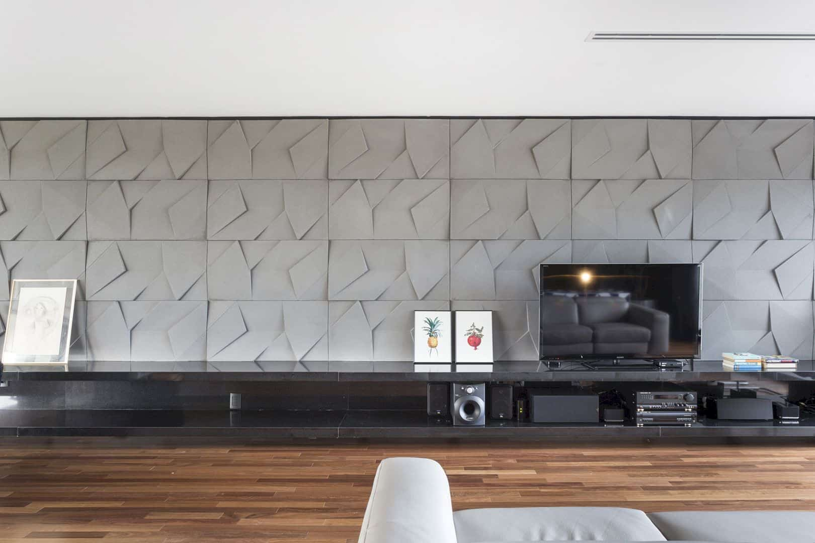 Casa R & L An Interior That Reflects Welcoming Personalities And Minimalist Aesthetics 17