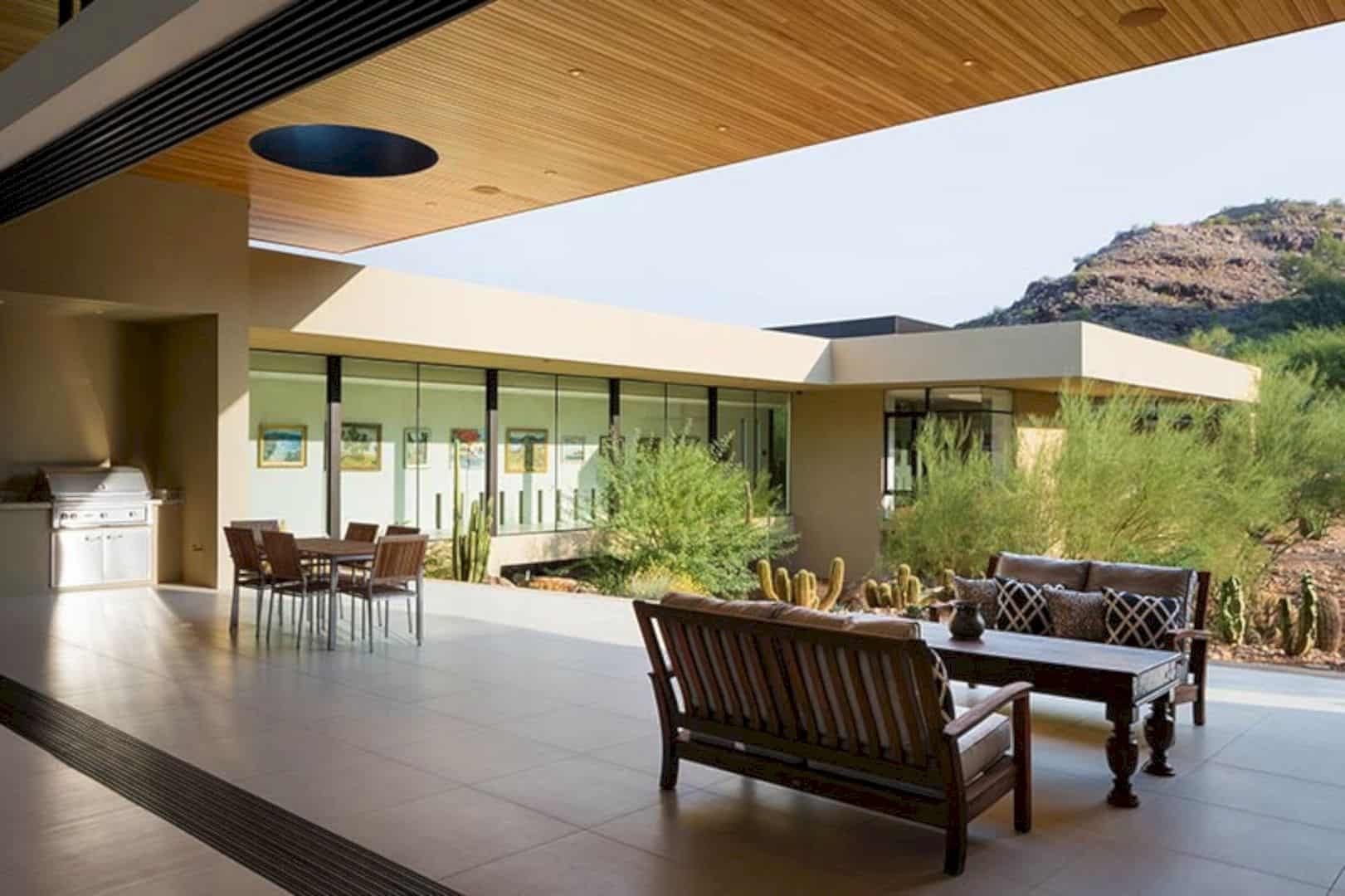 Desert Wash Residence: Modern Desert Home Defining Paradise Valley's Topographical Feature