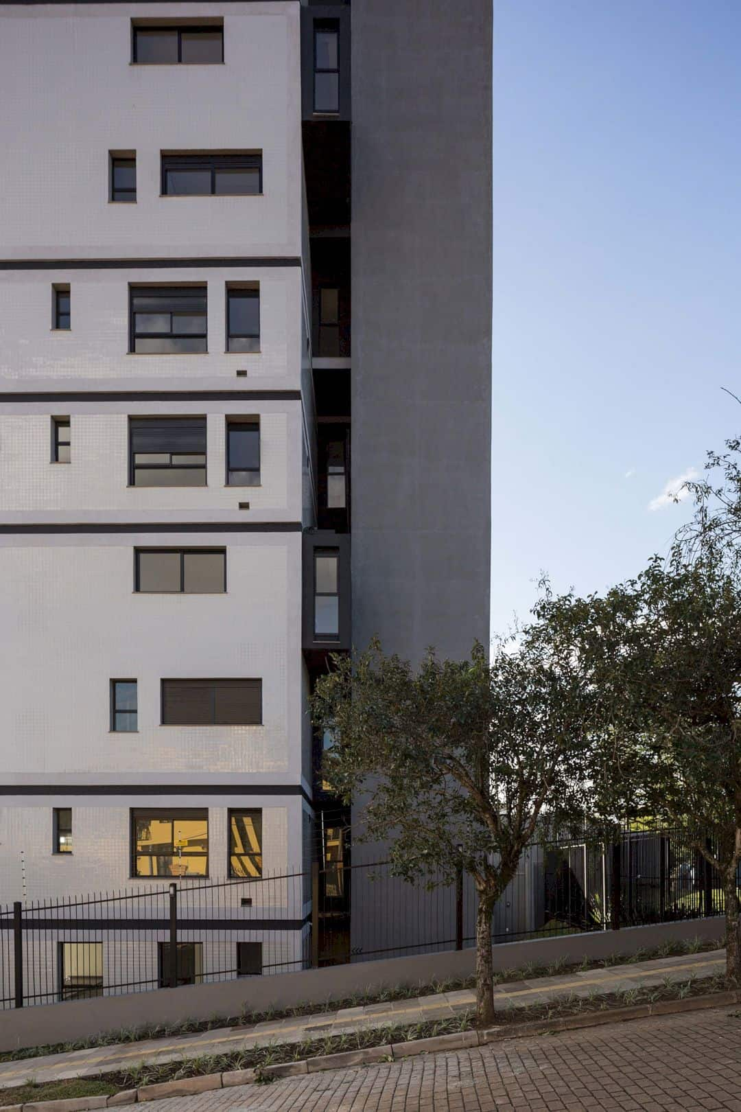 Fernando Abbott 866 A High Rise Residential Building In Porto Alegre 16