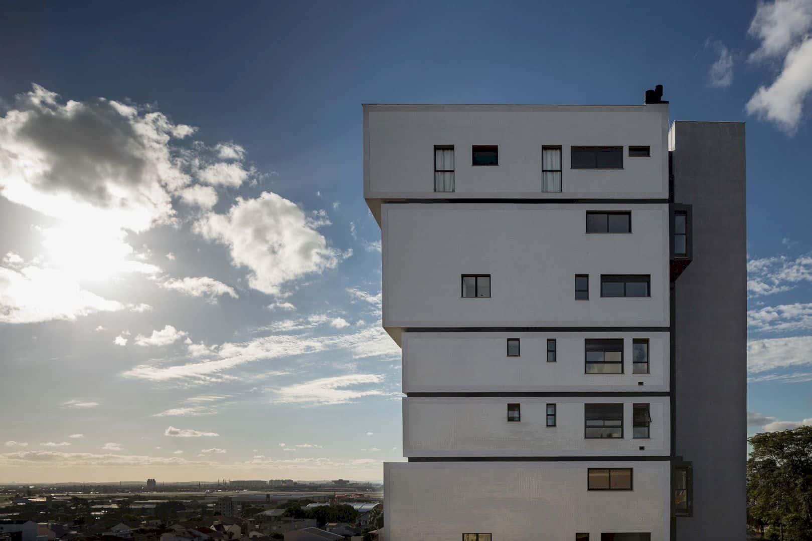 Fernando Abbott 866 A High Rise Residential Building In Porto Alegre 17