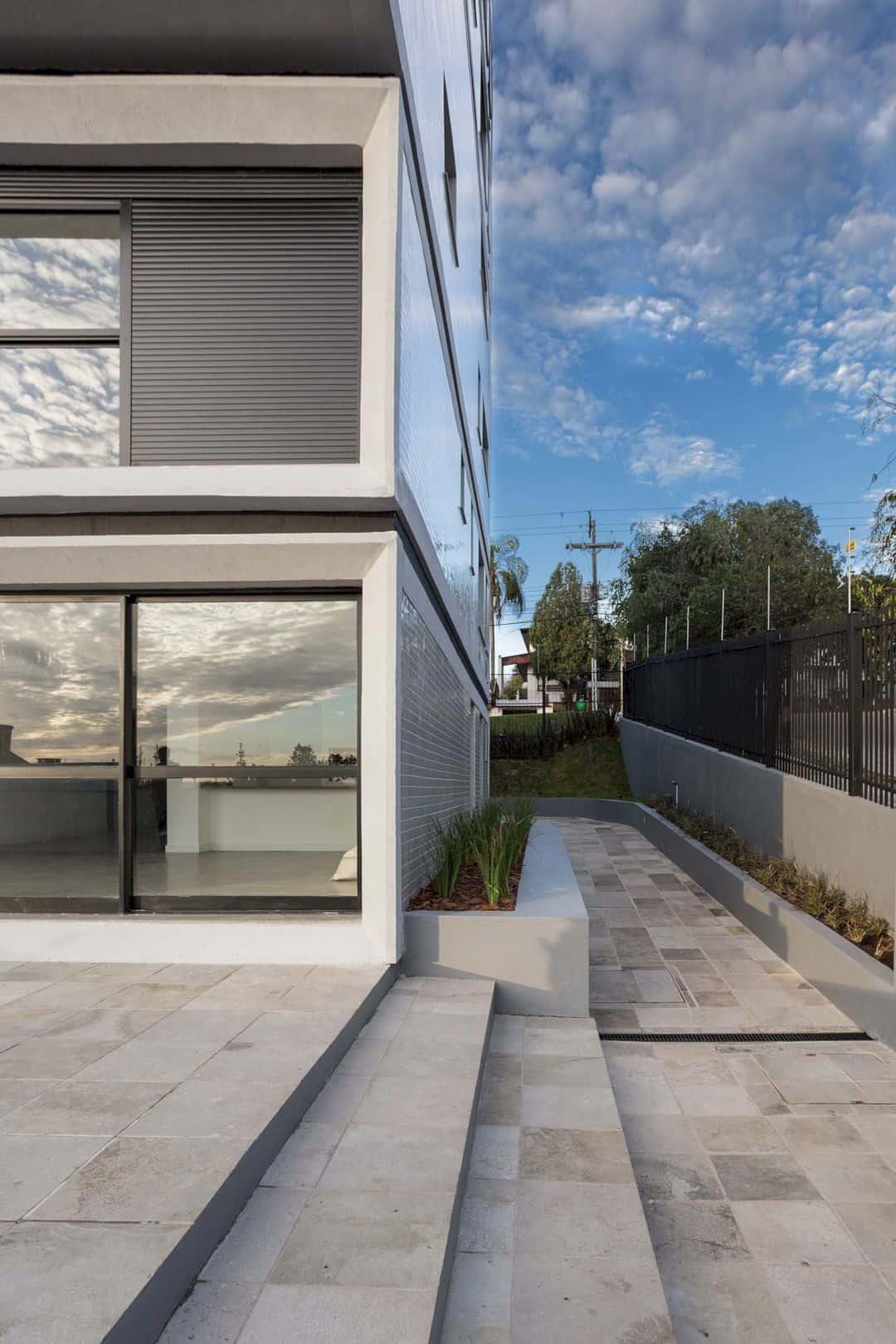 Fernando Abbott 866 A High Rise Residential Building In Porto Alegre 8