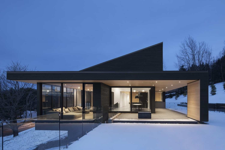 Villa Vingt Is A Modern Villa Built Near A Ski Resort In Lac Beauport