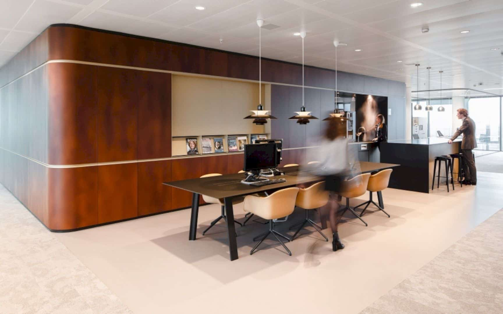 Cms Amsterdam A Warm Natural Base Office Design Merged With Curves And Transparency 6