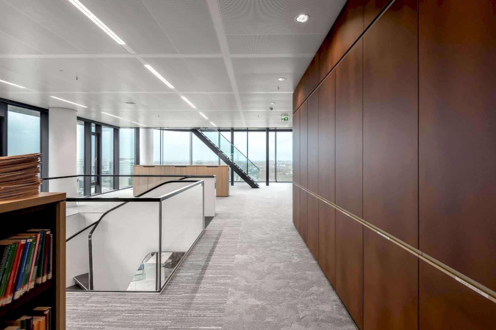 Cms Amsterdam A Warm Natural Base Office Design Merged With Curves And Transparency 7