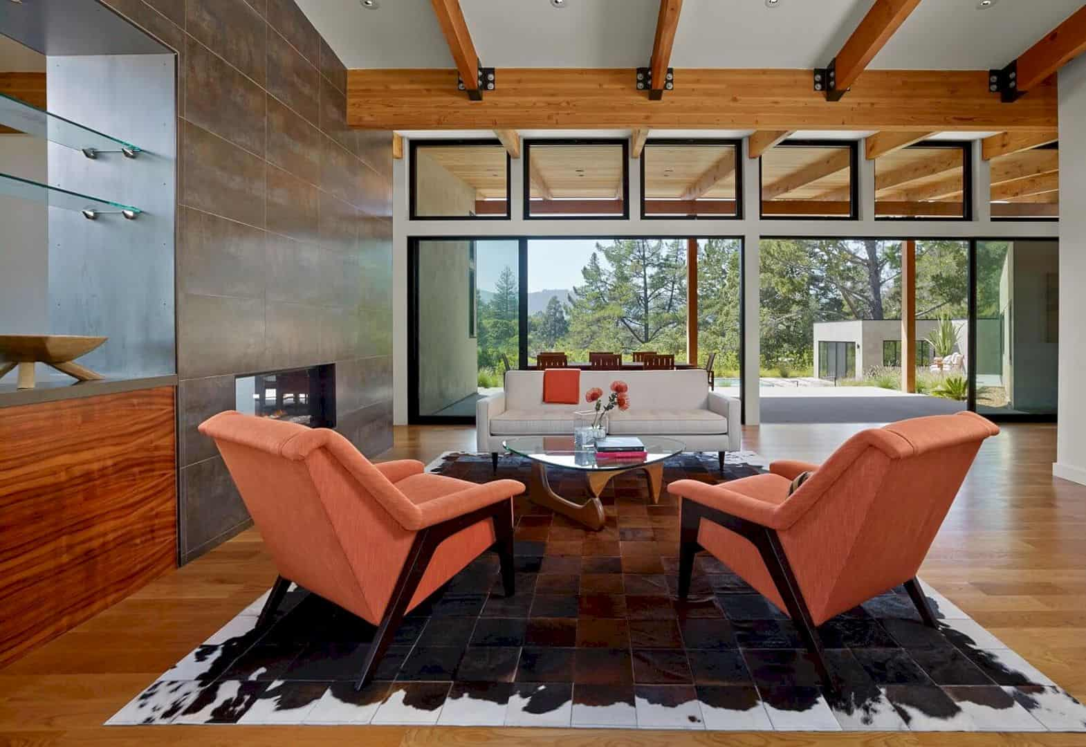 Golden Oak Residence A Light Filled House That Takes Advantage Of Its Bucolic Site 4
