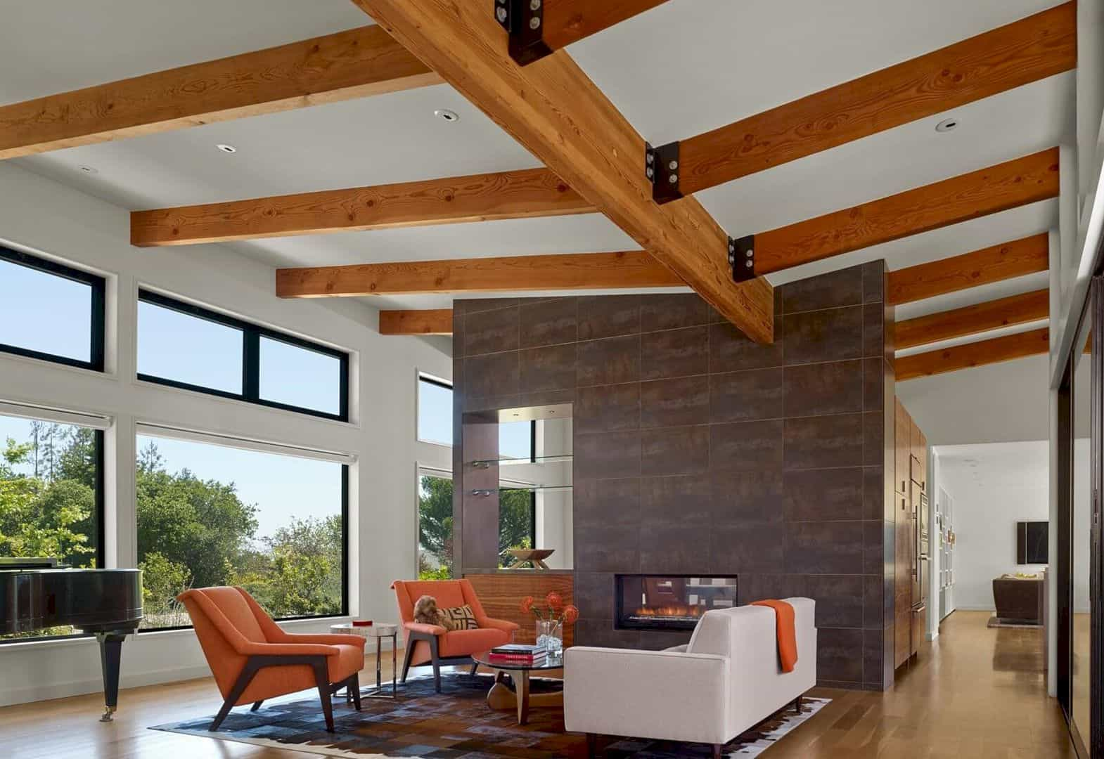 Golden Oak Residence A Light Filled House That Takes Advantage Of Its Bucolic Site 5