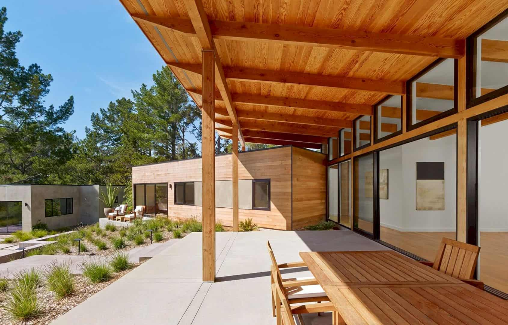 Golden Oak Residence A Light Filled House That Takes Advantage Of Its Bucolic Site 6