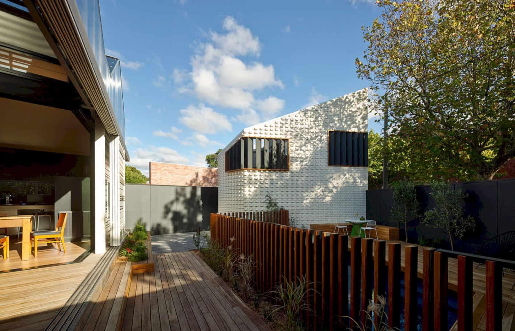 Little Brick Studio A Tight Space Residence That Engages At The Urban Scale Of Abbotsfords Busy Street 11