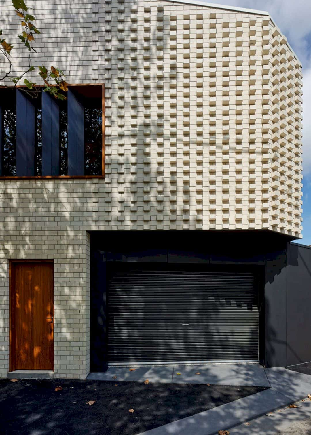 Little Brick Studio A Tight Space Residence That Engages At The Urban Scale Of Abbotsfords Busy Street 13