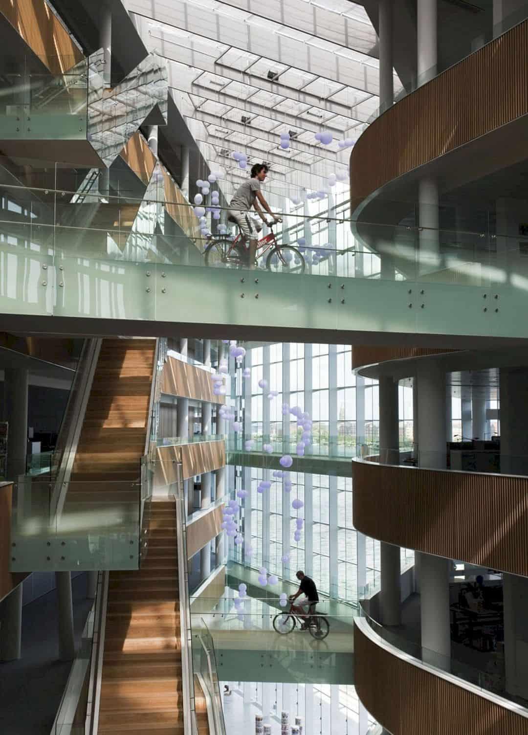 Aller media building flexible interior design for innovative work environment futurist for Interior design work environment