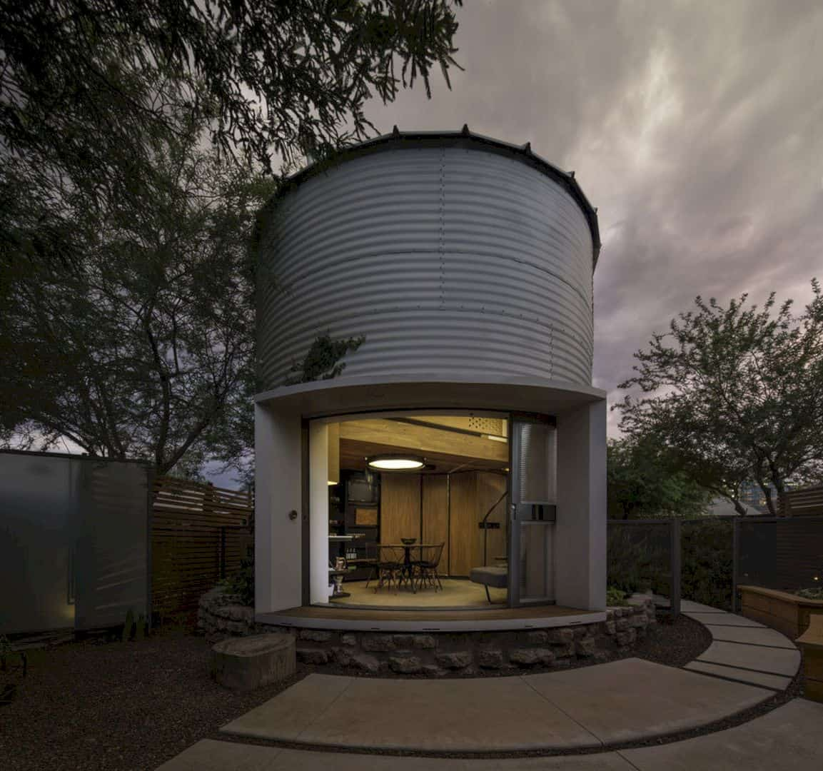 Silo House: A Simple House with An Efficient Construction