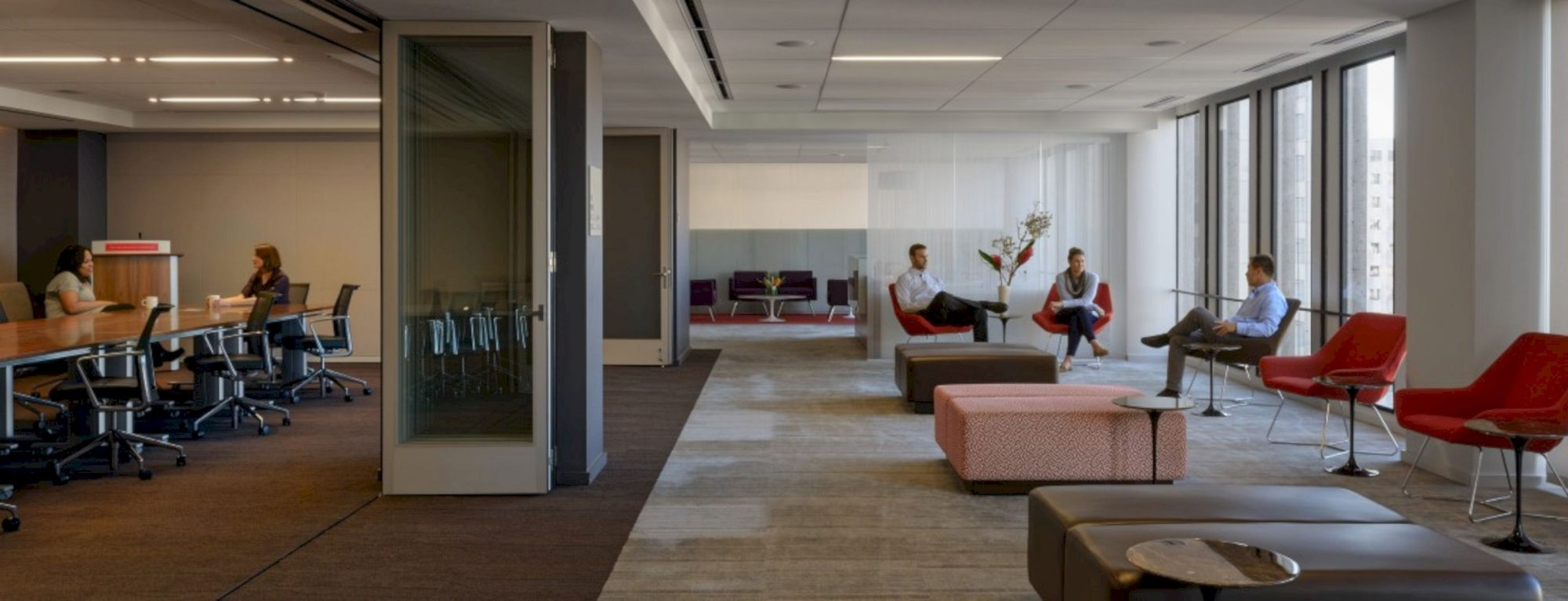 The San Francisco Foundation: A Contemporary Office with A Light-Filled Space