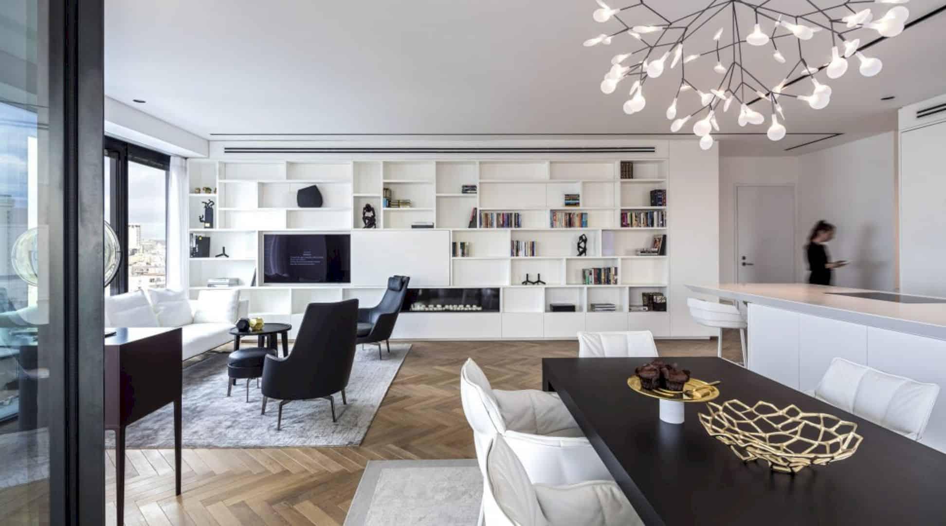 M Apartment 11
