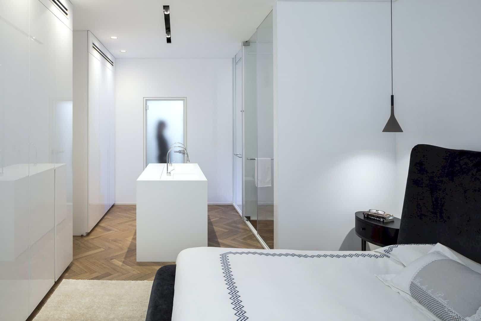 M Apartment 8