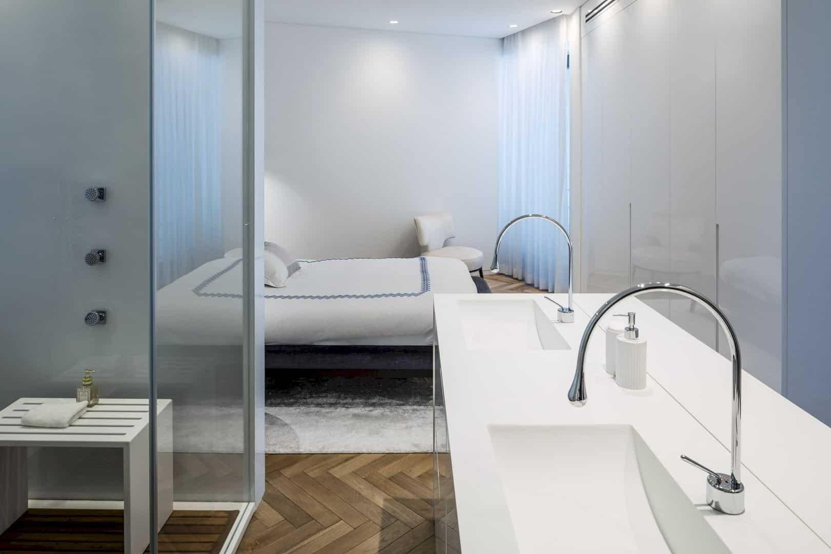 M Apartment 9