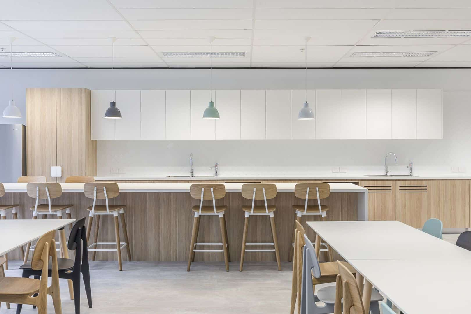 Reckon Sydney: A Head Office of Accounting Software Company with Open, Clean and Inviting Space