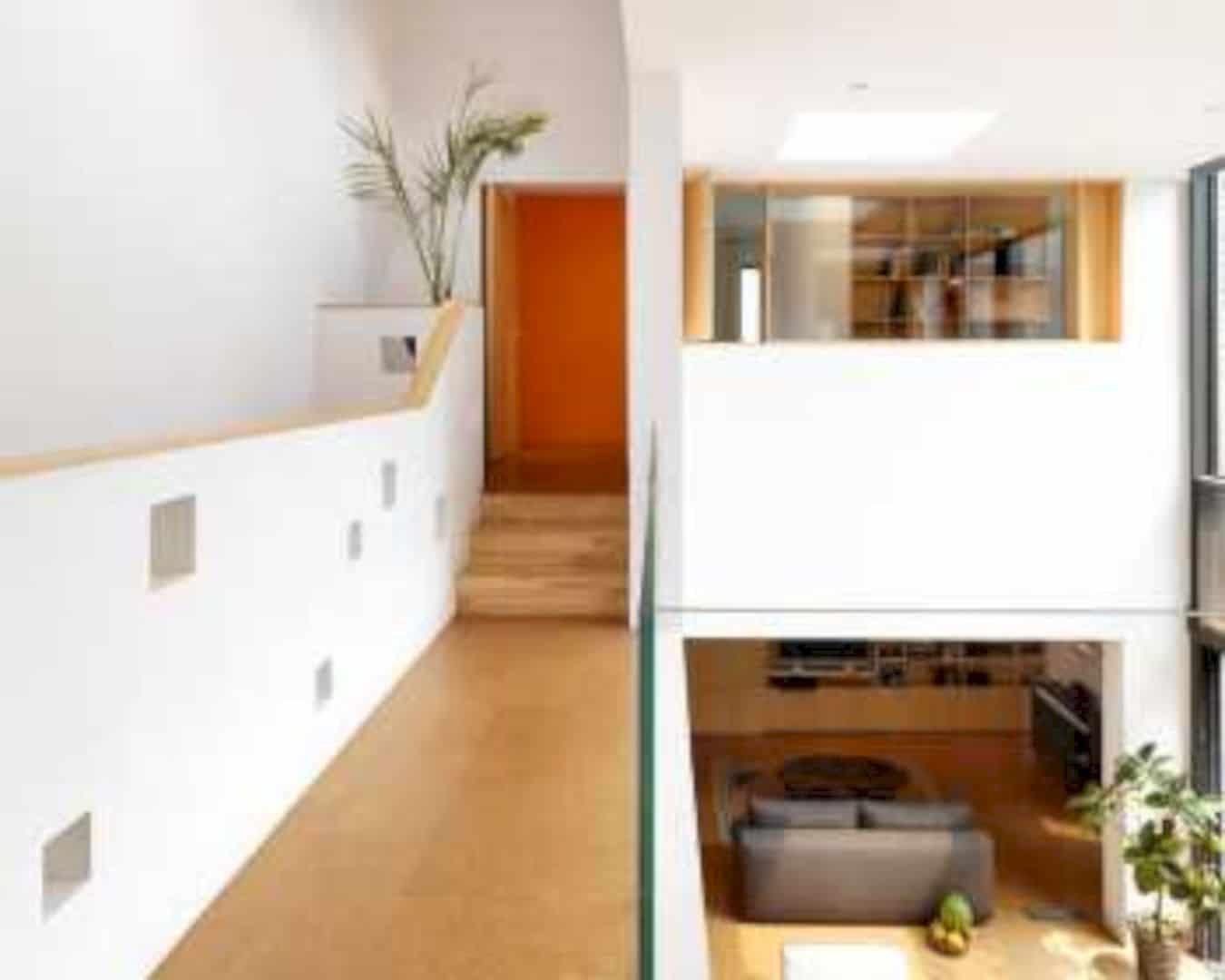 H House 4