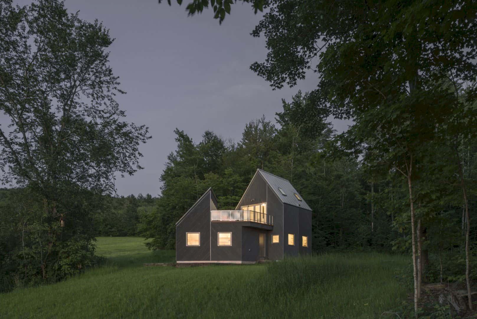 Tunbridge Winter Cabin 12