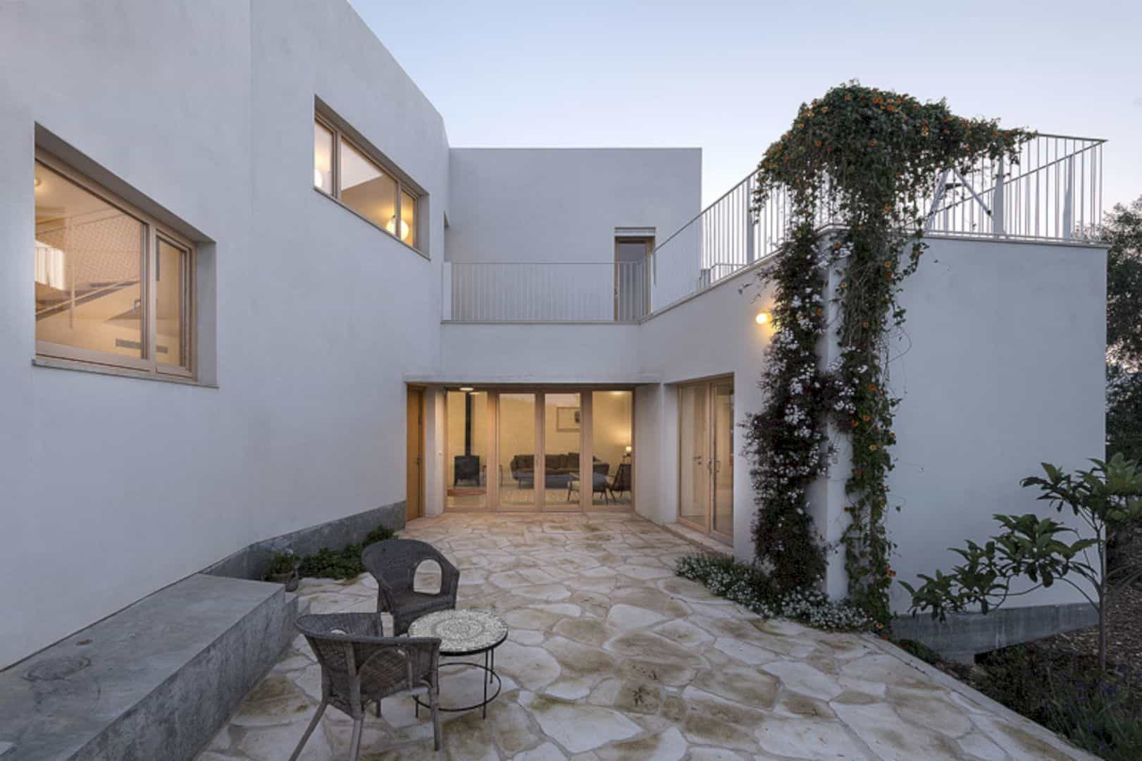 Neve Shalom House 19