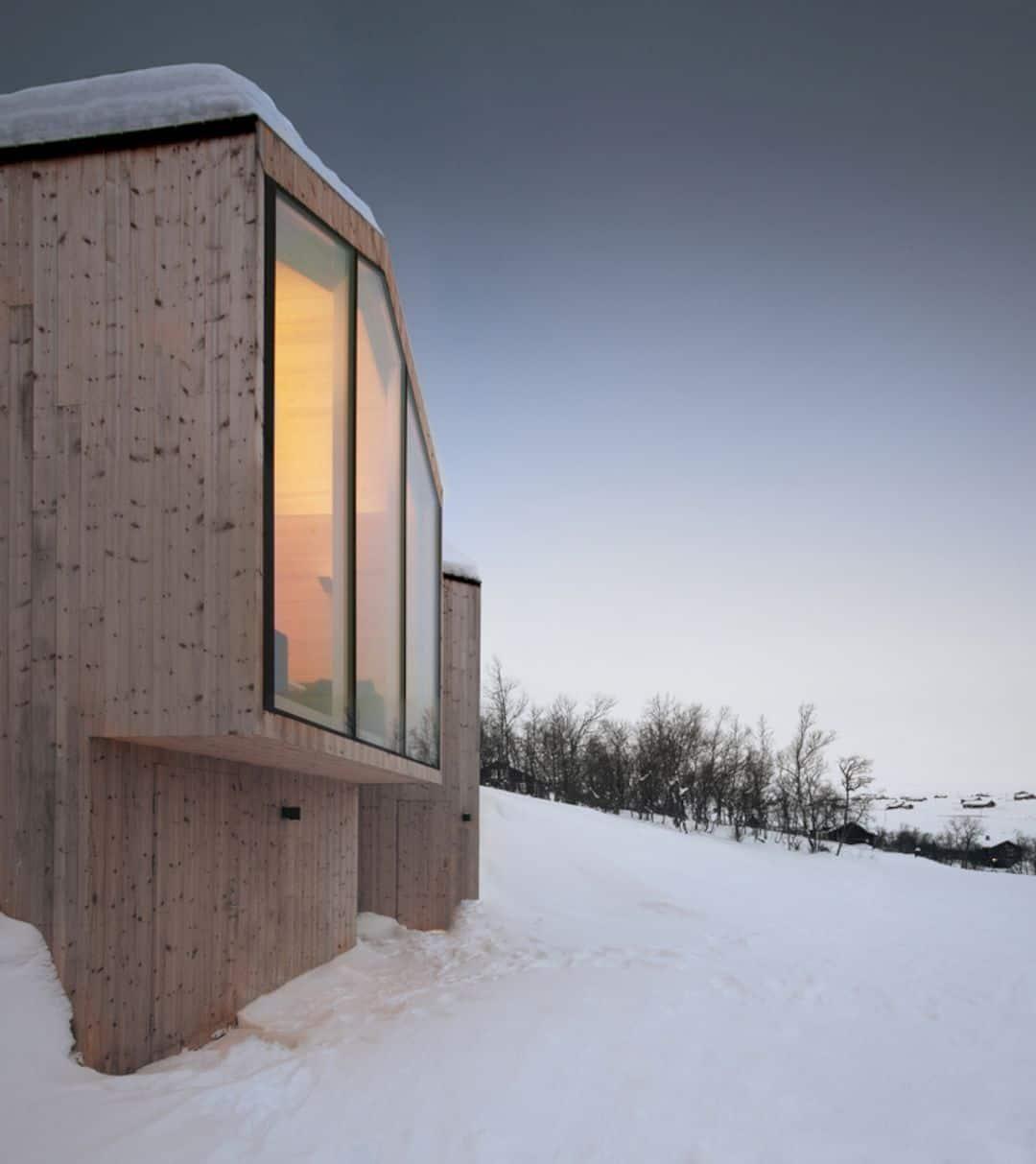 Split View Mountain Lodge 2