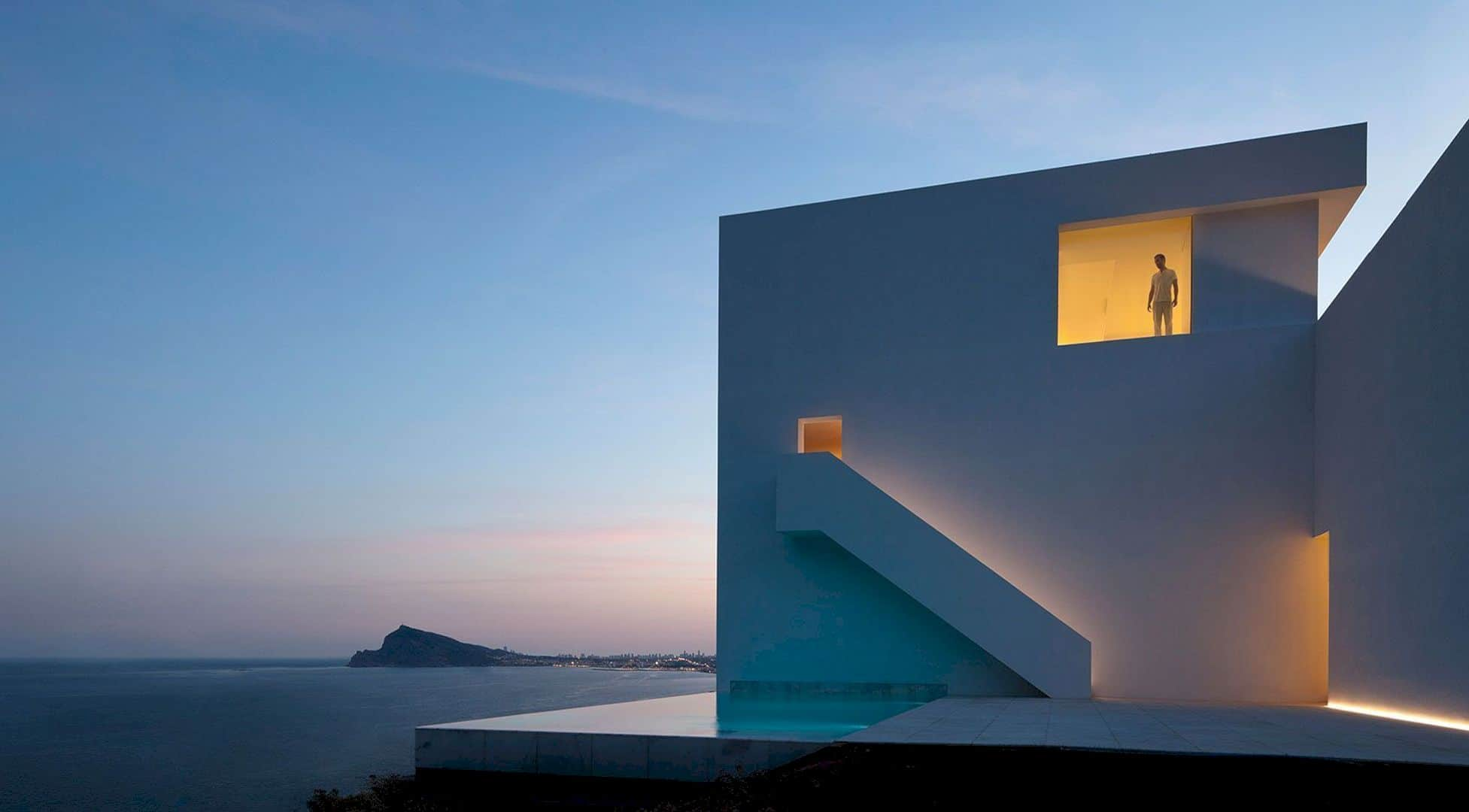 HOUSE ON THE CLIFF 1