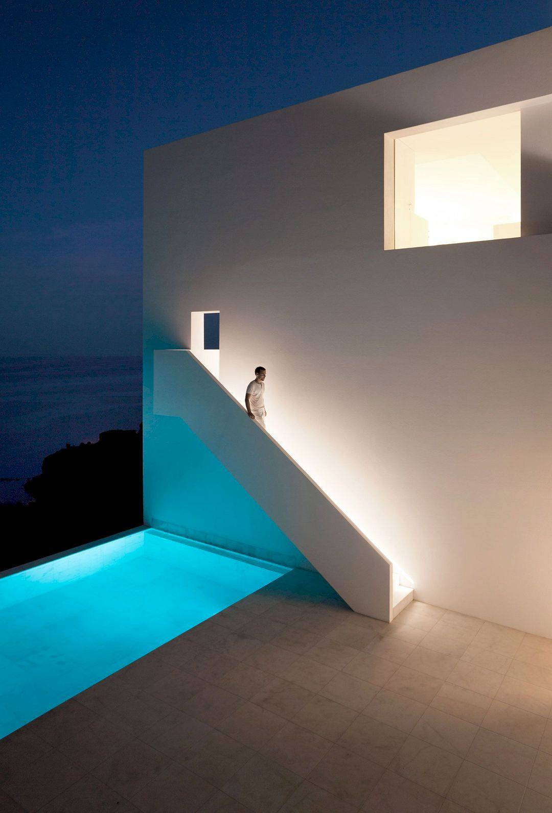 HOUSE ON THE CLIFF 11