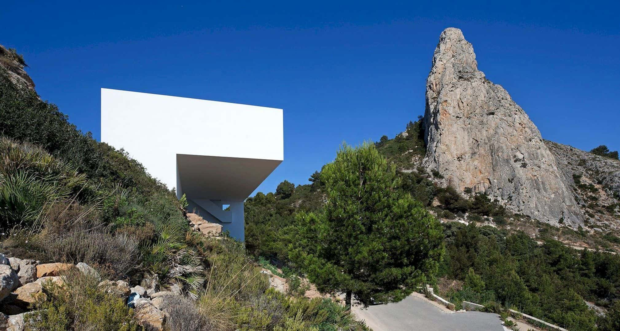 HOUSE ON THE CLIFF 12
