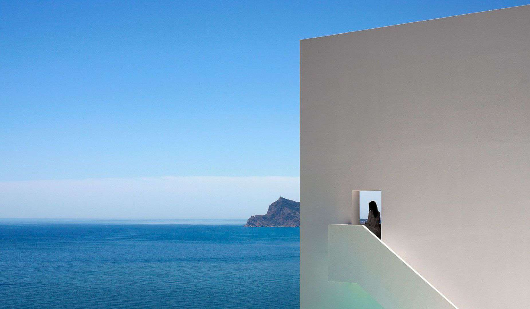 HOUSE ON THE CLIFF 6