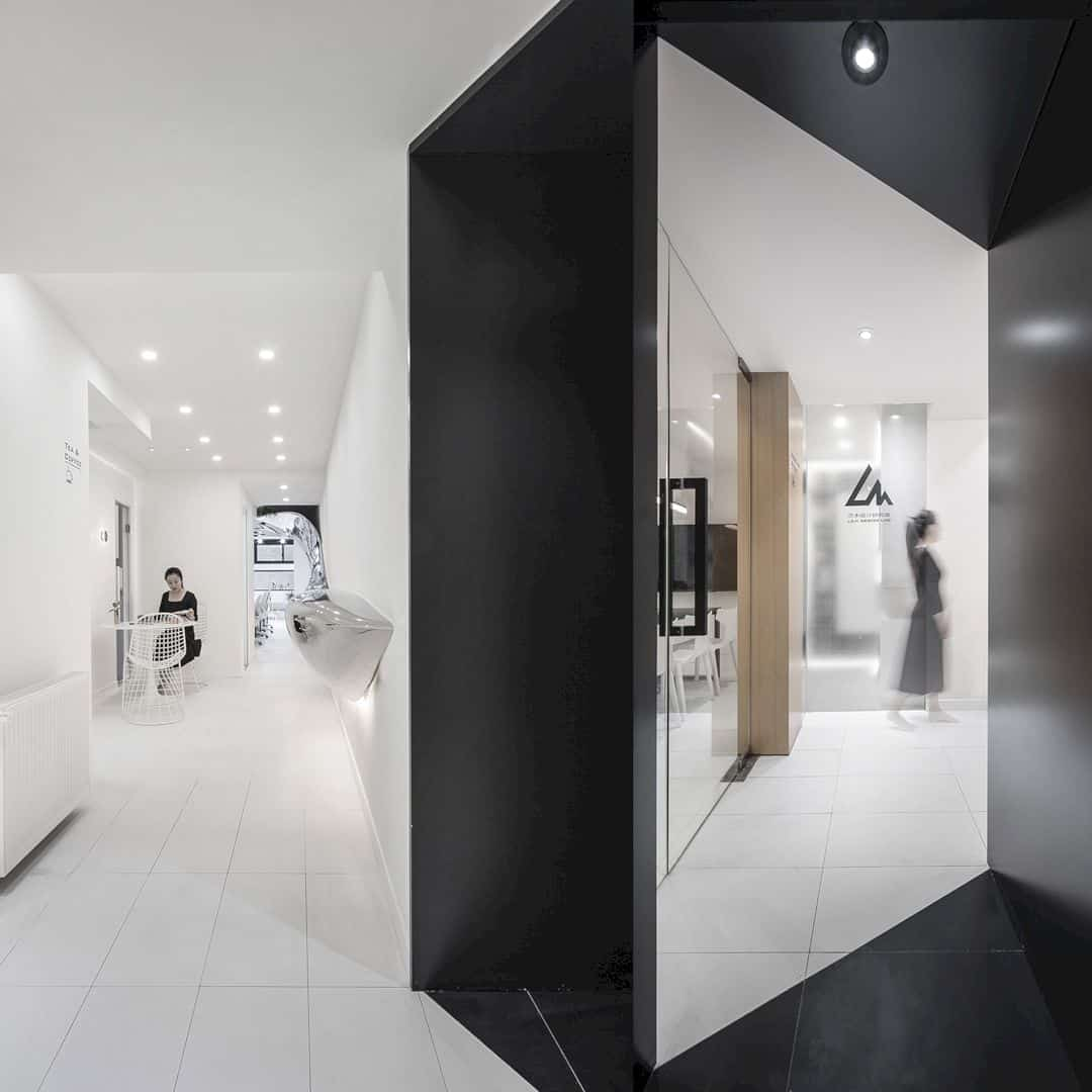 Studio With Mirror Bridge Studio By Jinrui Liu 1
