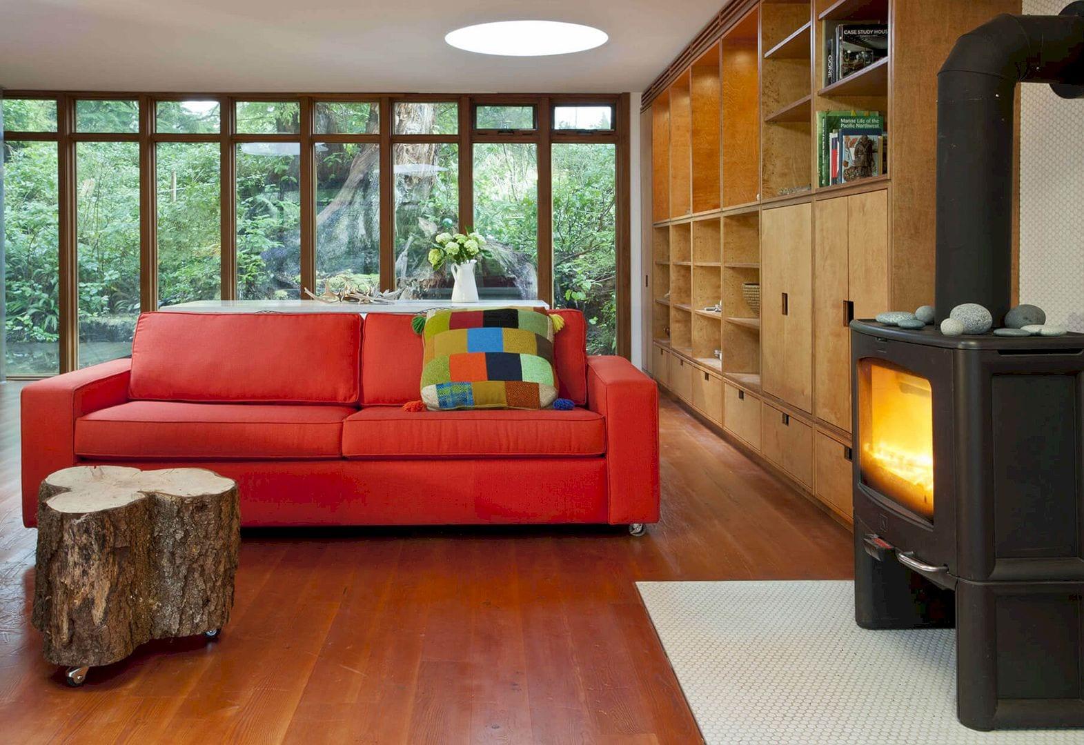 Bamfield Cabin 10