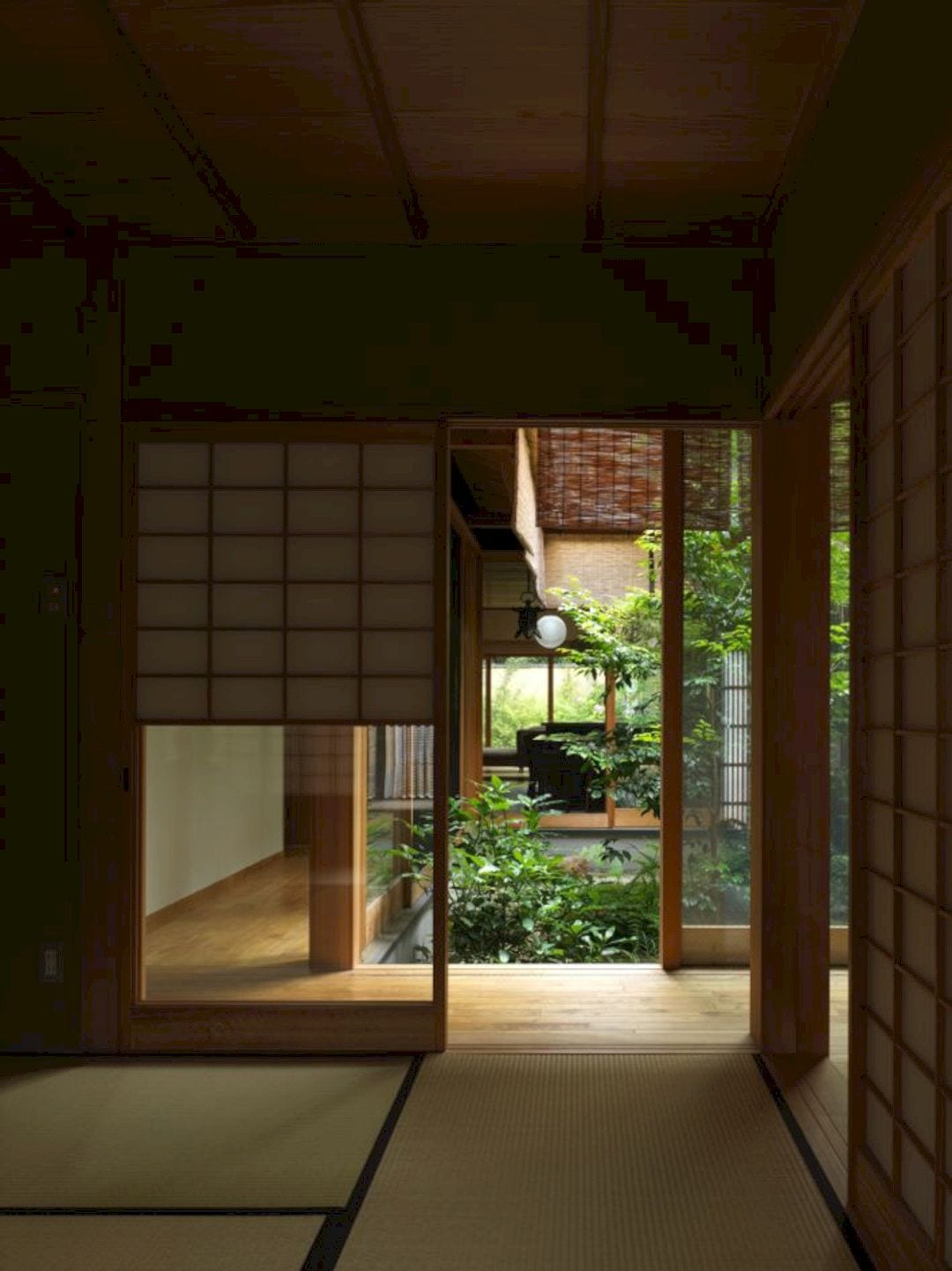 House In Demachi 20