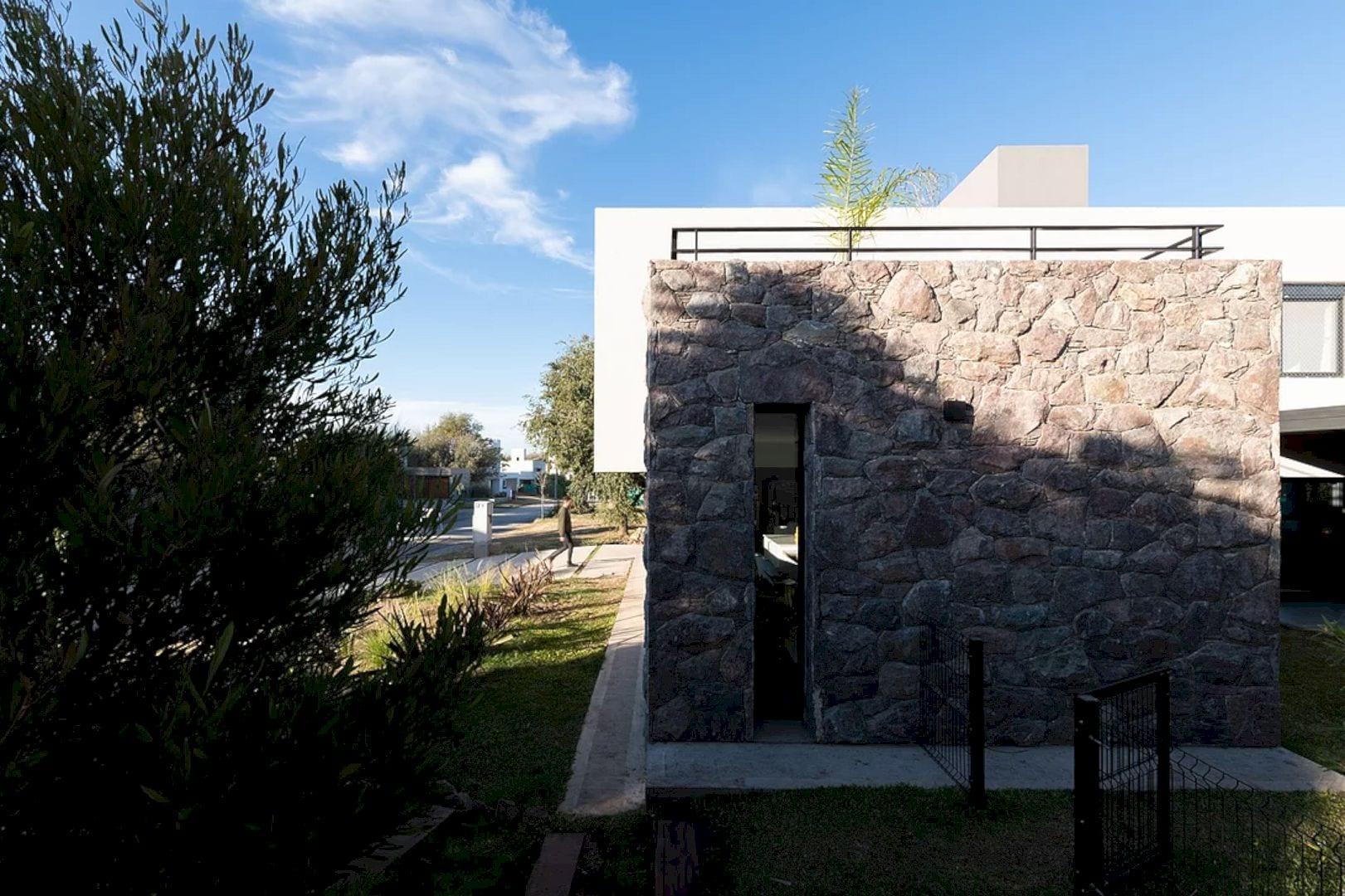 LVF House 1
