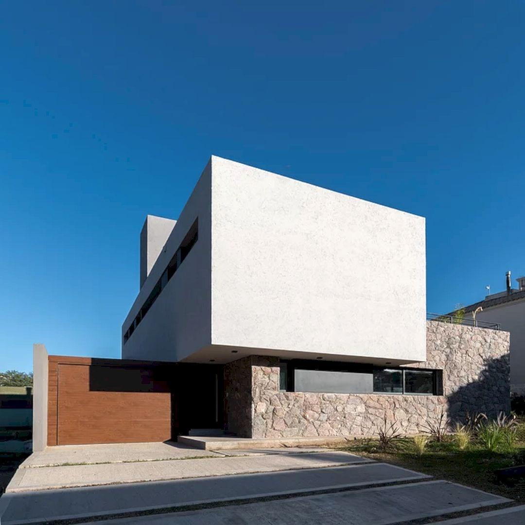 LVF House 13