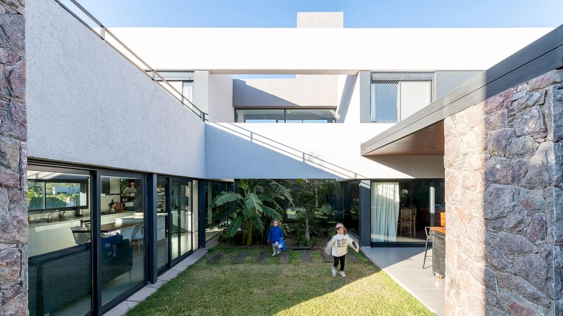 LVF House 18