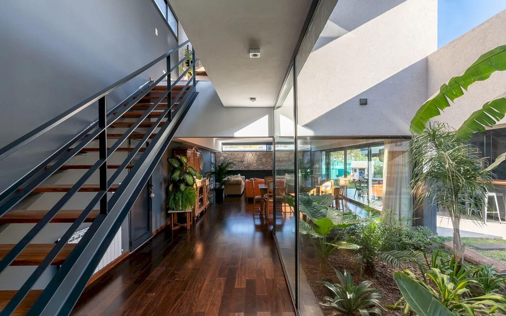 LVF House 21