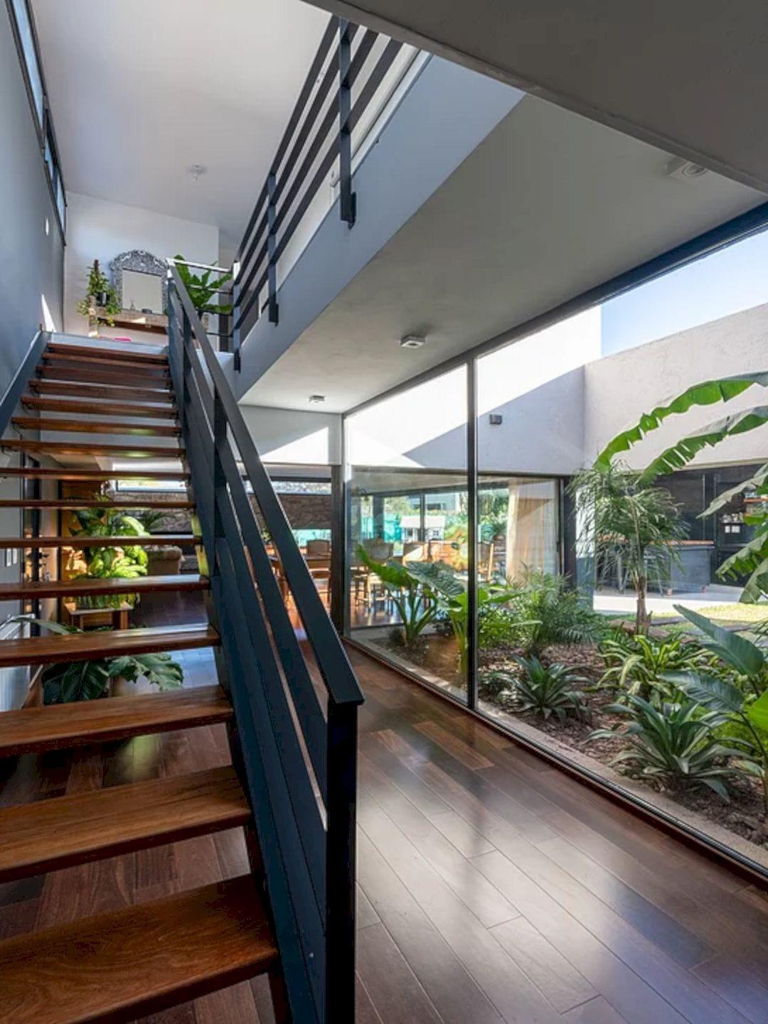 LVF House 24